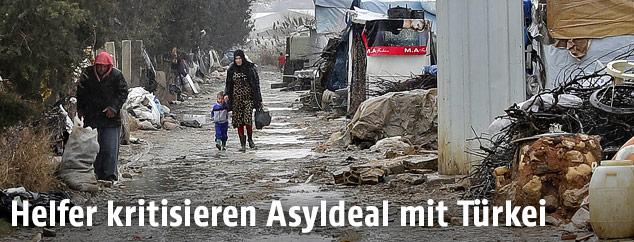 Flüchtlingslager in desolatem Zustand