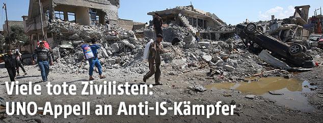 Zerstörte Häuser in Mossul