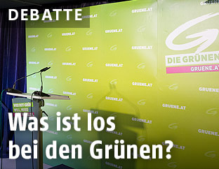 """""""Grünes"""" Rednerpult"""