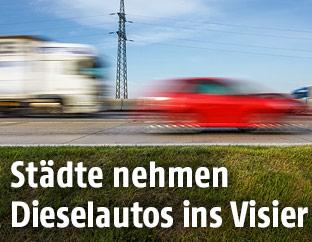 Vorbeifahrende Kraftfahrzeuge