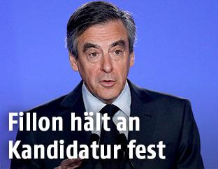 Französischer Präsidentschaftskandidat Francois Fillon bei einer Pressekonferenz