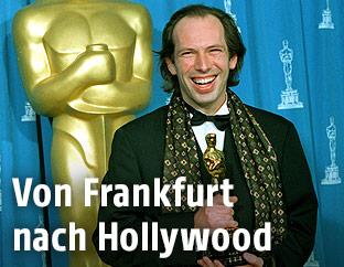 Filmkomponist Hans Zimmer im Jahr 1995 mit gewonnenem Oscar