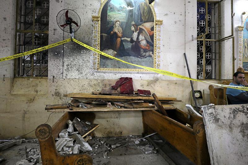 Zerstörung in der Kirche