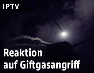 US-Rakete wird vom Kriegsschiff abgefeuert