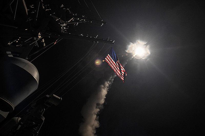 Abgefeuerte Rakete von der USS Porter