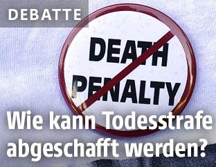 """Anstecknadel mit einem durchgestrichenen """"Death Penalty"""""""