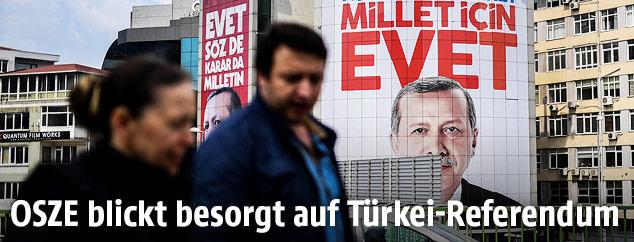 Plakat zeigt Recep Tayyip Erdogan