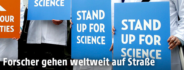 Plakat eines Wissenschafts-Demonstranten