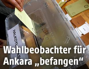 Stimmabgabe in Wahllokal in Ankara