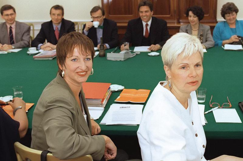 Eva Rossmann und Elfriede Hammerl trafen im Bundeskanzleramt 1997