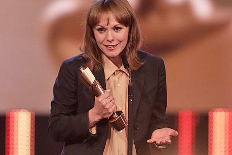Regisseurin Maren Ade mit dem Filmpreis Lola