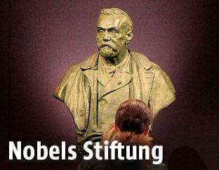 Eine Statue von Alfred Nobel