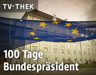 EU-Fahne vor der Hofburg