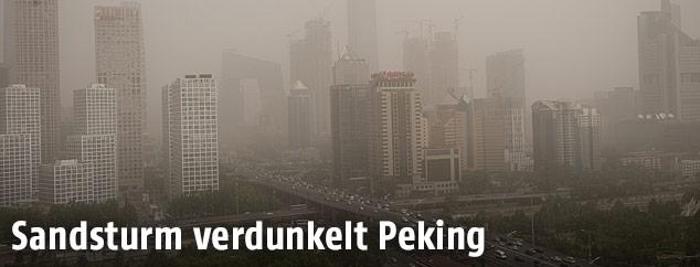Pekinger Skyline im Sandsturm