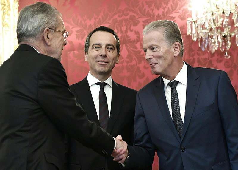 Bundespräsident Van der Bellen mit Bundeskanzler Christian Kern und Vizekanzler Reinhold Mitterlehner