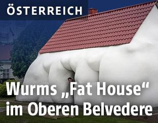 """Erwin Wurms """"Fat House"""" im Wiener Belvedere"""