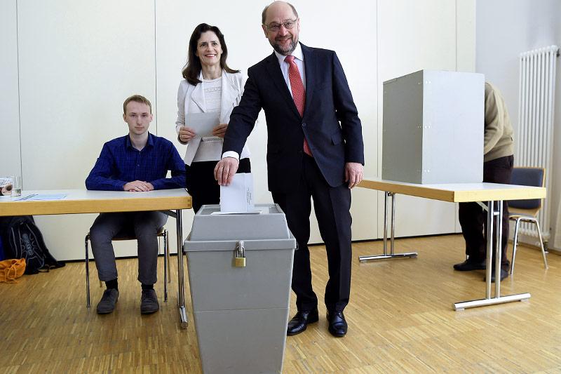 SPD-Chef  Martin Schulz bei der Stimmabgabe