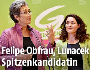 EU-Abgeordnete Ulrike Lunacek und die Tiroler Landeshauptfrau-Stellvertreterin Ingrid Felipe