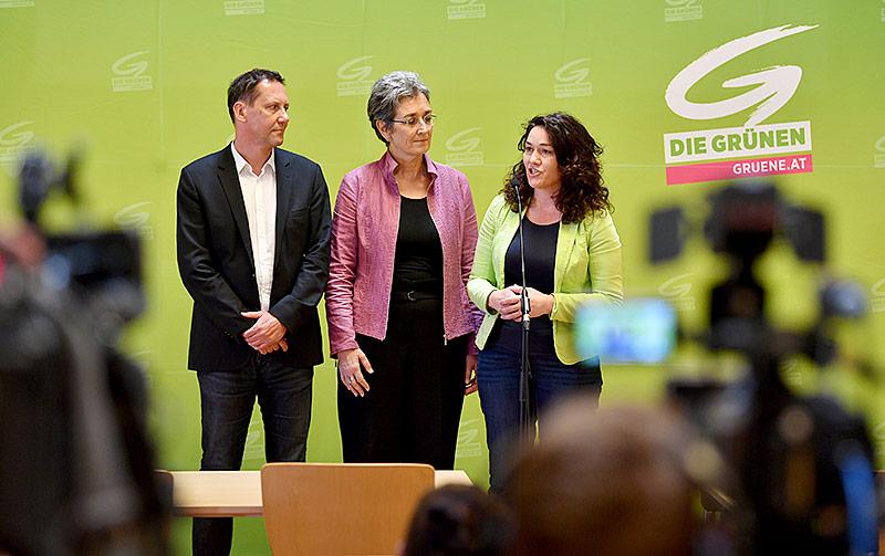 Bundesgeschäftsführer der Grünen, Robert Luschnik, EU-Abgeordnete Ulrike Lunacek und die Tiroler Landeshauptfrau-Stellvertreterin Ingrid Felipe