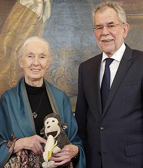 Bundespräsident Alexander Van der Bellen mit der Primatenforscherin und Umweltaktivistin Jane Goodall
