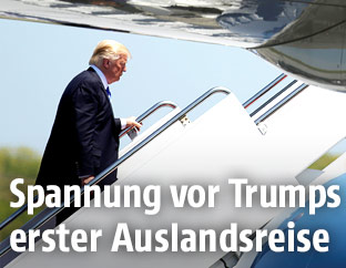 Präsident Trump steigt in Air Force One