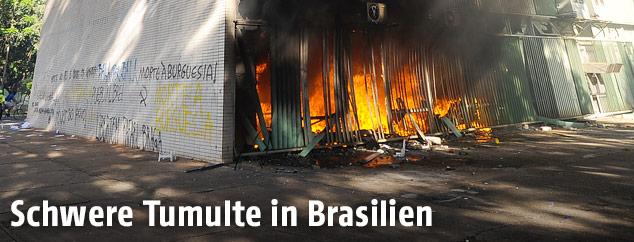 Brennendes Landwirtschaftsministerium in Brasilia
