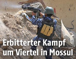 Schießender irakischer Soldat