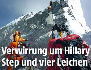 Bergsteiger am Hillary Step des Mount Everests