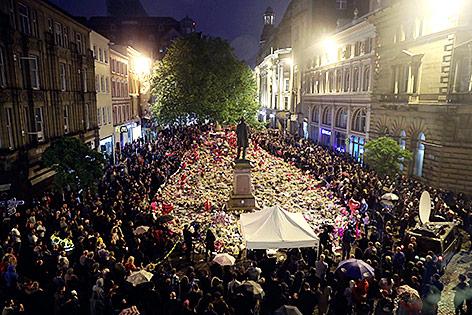 Mahnwache für die Opfer des Anschlags in Manchester