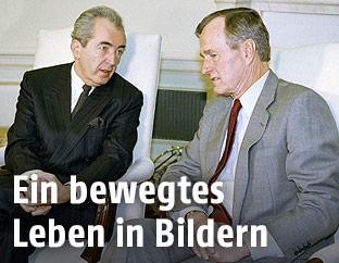 Mock bei US-Präsident George W.H. Bush im Weißen Haus