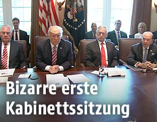 Kabinettssitzung mit Donald Trump