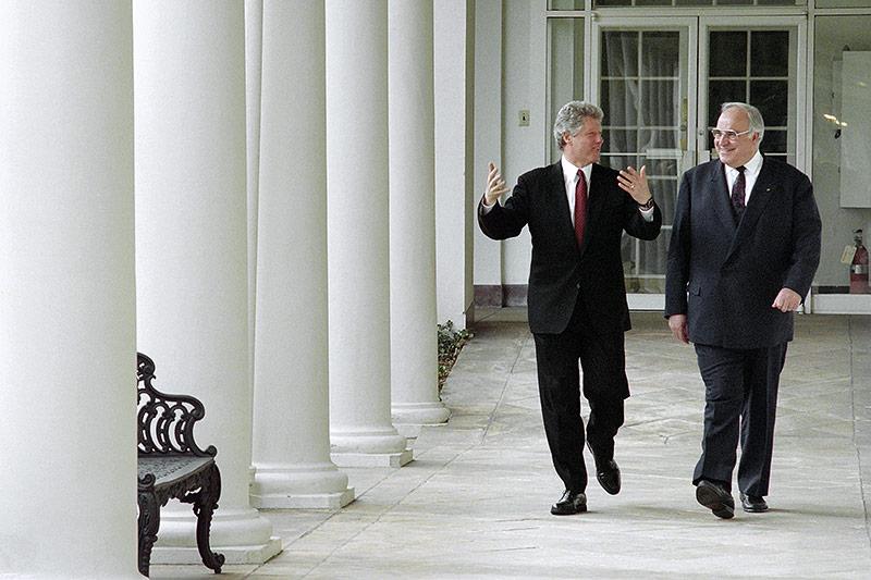 US Präsident Bill Clinton mit dem deutschen Kanzler Helmut Kohl