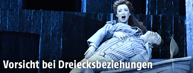 "Adrian Eröd als ""Pelleas"" und Olga Bezsmertna als ""Melisande"""