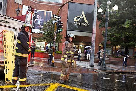 Feuerwehr vor einem Einkaufscenter in Bogota