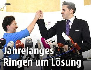 Bildungsministerin Heinisch-Hosek (SPÖ) und Staatssekretär Mahrer (ÖVP)