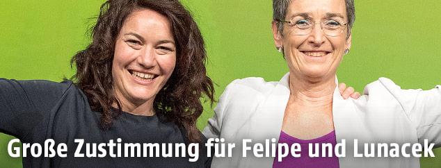 Bundessprecherin Ingrid Felipe und Spitzenkandidatin Ulrike Lunacek (beide Grüne)
