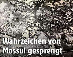 Militärische Luftaufnahme zeigt die gesprengte Moschee in Mossul
