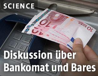 Geldentnahme aus Bankomat