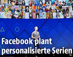 Facebook-Gründer Mark Zuckerberg vor einem riesigen Bildschirm mit Facebook-Usern