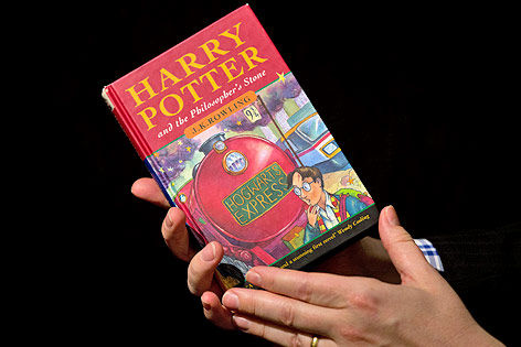 "Erstausgabe von ""Harry Potter and the Philosopher's Stone"""