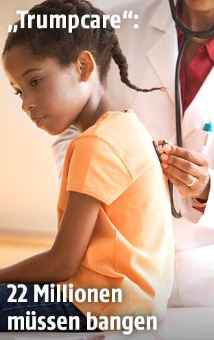 Mädchen beim Arzt