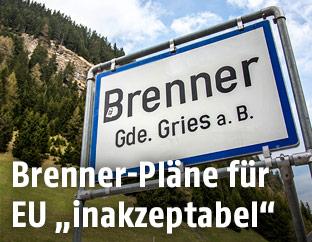 Ortschild der Gemeinde Brenner