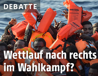 Flüchtlinge in Schwimmwesten