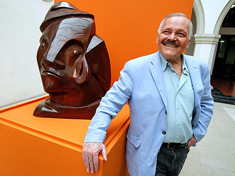 Der mexikanische Maler, Bildhauer und Schriftsteller Jose Luis Cueva