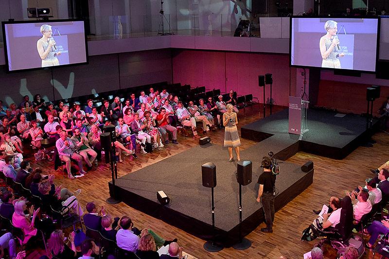 Irmgard Griss bei einer NEOS-Veranstaltung