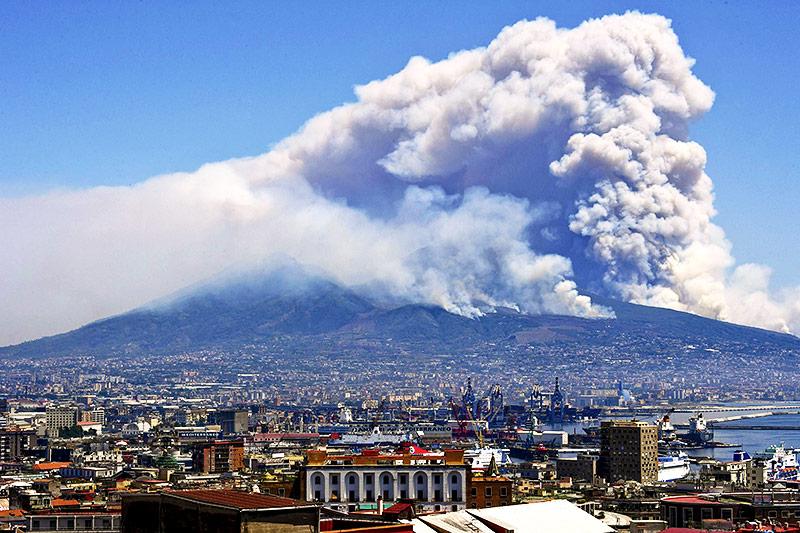 Brände in der Nähe des Vesuv