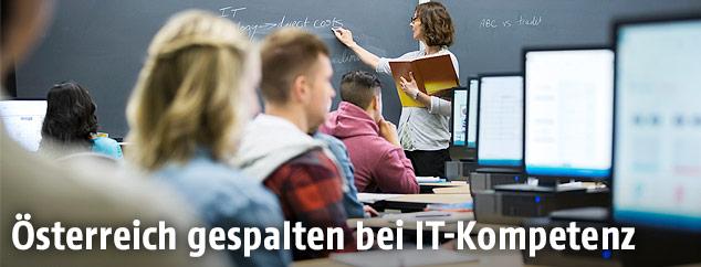 Computer-Klasse in einer Schule