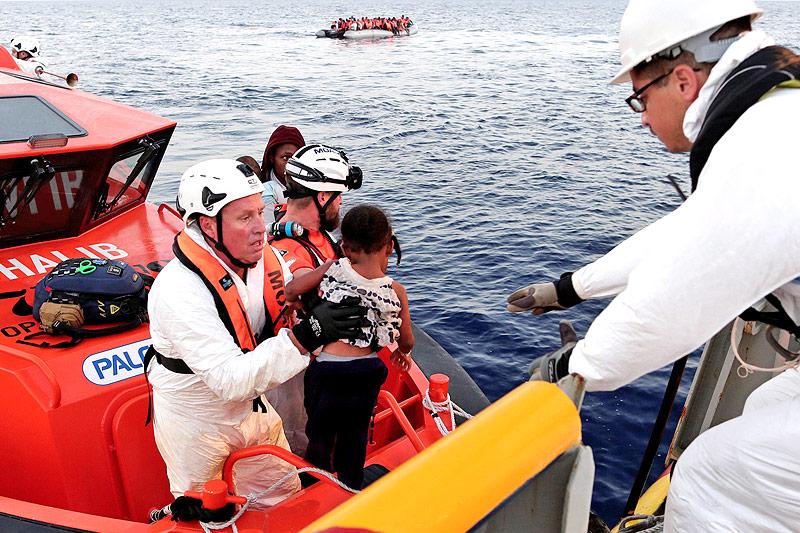 Hilfsorganisationen lehnen Verhaltenskodex für Seenotretter ab