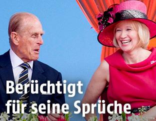 Prince Philip lacht 2010 mit Laureen Harper, der Frau des damaligen kanadischen Premierministers Stephen Harper