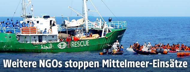 Sea-Eye nimmt Migranten auf